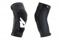 Bluegrass - Ochraniacze kolan Solid D3O
